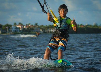 kitesurfing-3778808_640